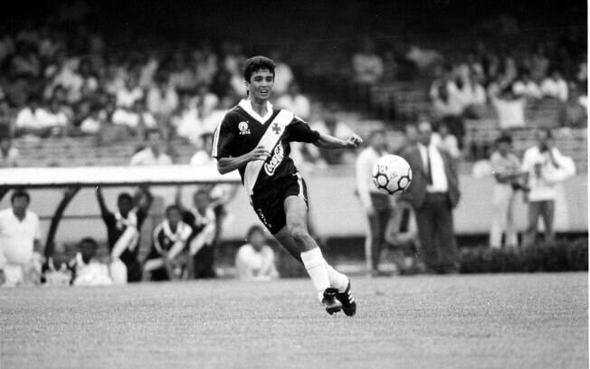 Bebeto trocou o Flamengo pelo Vasco em 1989