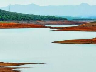 Calamidade. Represa Serra Azul, localizada em Juatuba, na Grande BH, tem seu nível de água situado em 5% da capacidade total