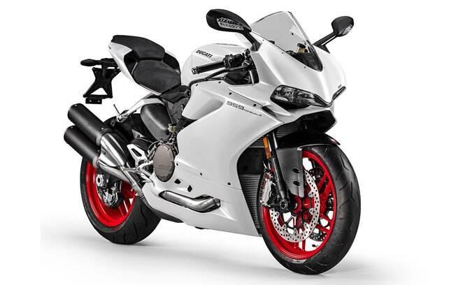 Menor esportiva da linha Panigale, a Ducati Panigale 959 está confirmada para novembro no Brasil. Deve custar entre R$ 60 mil e R$ 70 mil.