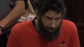 Homem é retirado de julgamento após ter crise de miados
