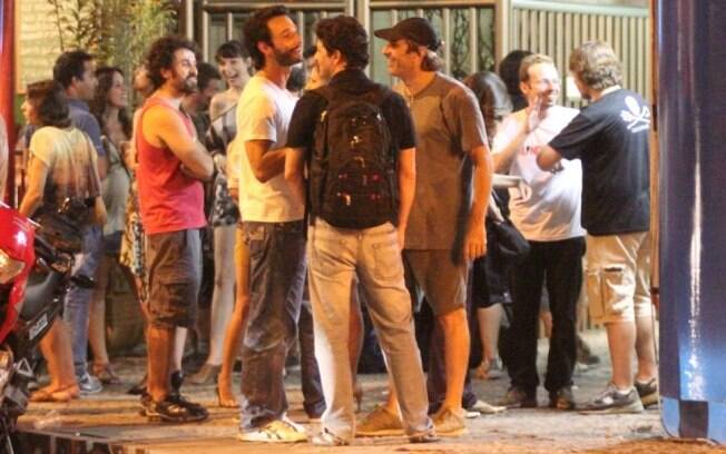 Eriberto Leão, Rodrigo Santoro e Marcelo Serrado se encontram no Leblon, no Rio