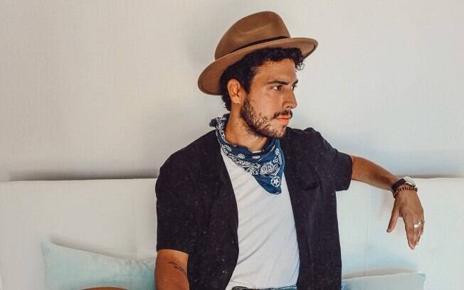 Filho de Marcella Muniz e Anderson Muller, Thiago Muller investe na música