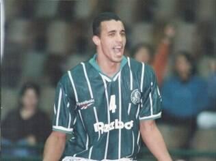 O central Levi Gomes atuou por várias equipes no Brasil, entre elas o Palmeiras