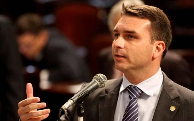Senador se ofereceu para divulgar na criação de novos perfis