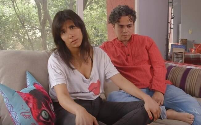 Os vídeos pornográficos, que antes chocavam Fernanda, hoje deixam a mulher confortável para experimentar posições