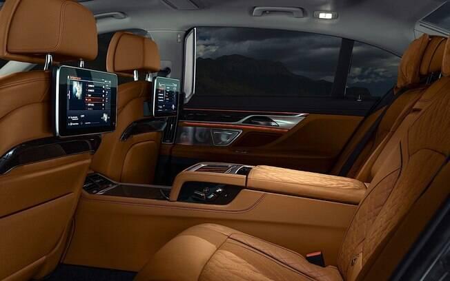 O felizardo à bordo do BMW Série 7 2020 poderá, como em quase nenhum outro carro, desfrutar de uma viagem tranquila