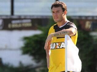 Kleber volta a trabalhar com Adilson Batista, por quem foi treinado no Cruzeiro