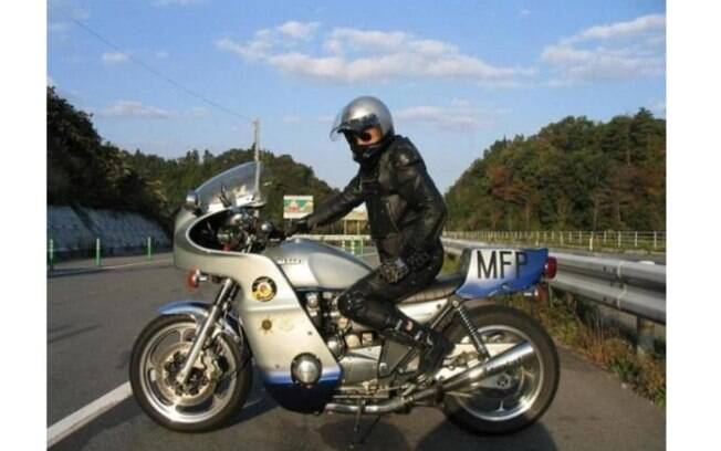 O policial Goose e sua Kawasaki Z1000