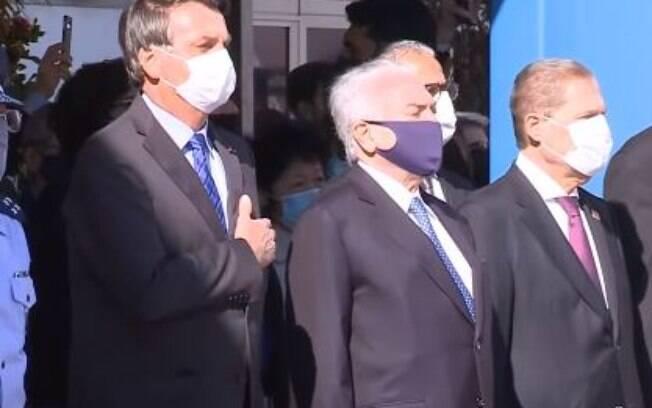 Jair Bolsonaro e Michel Temer em evento antes do embarque ao Líbano