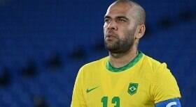Dani Alves decide sair do Brasil e voltar para a Europa