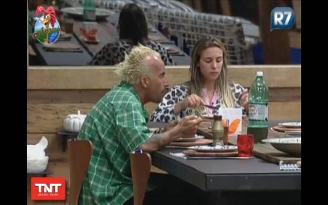 Joana desabafa durante o almoço