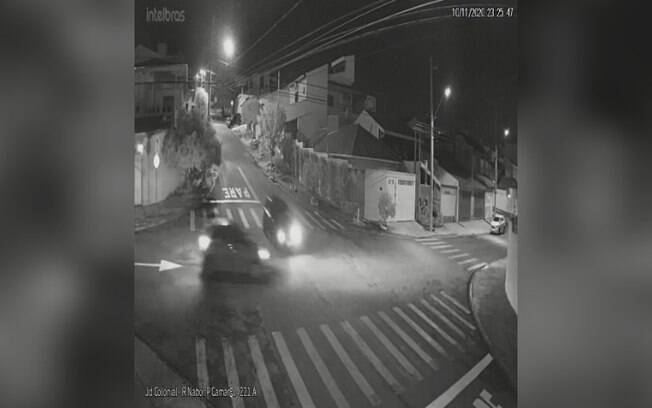 Motorista avança cruzamento e causa acidente em Indaiatuba