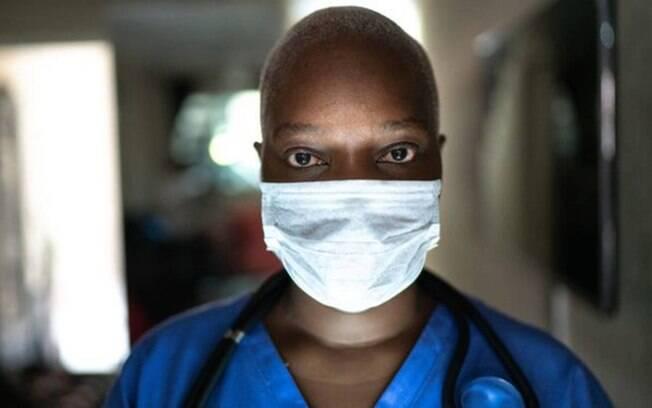 Universidade de Washington aponta que medidas importantes como uso de máscara podem evitar centenas de milhares de mortes na América Latina