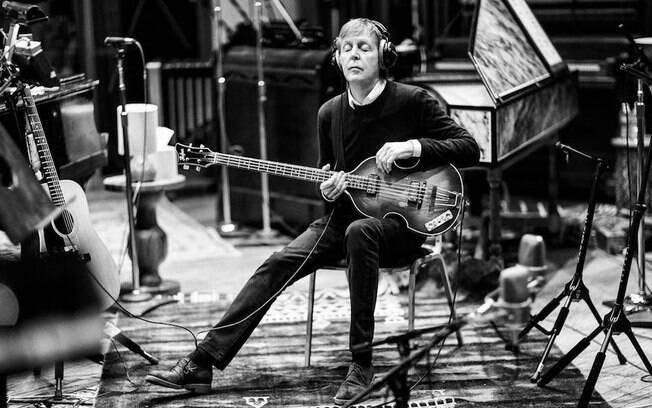 lbum McCartney III se torna o primeiro lbum solo a alcanar o topo no Reino Unido em 31 anos