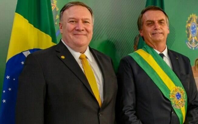 Bolsonaro reiterou a intenção de retirar o Brasil do pacto de imigração durante reunião com Mike Pompeo