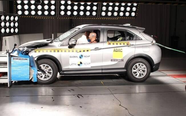 O Mitsubishi Eclipse Cross 2019  teve cinco estrelas para segurança de adultos e três para crianças pelo Latin NCAP