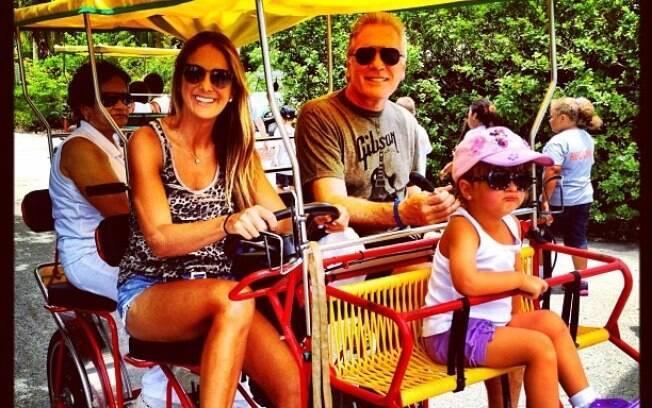Ticiane Pinheiro, Roberto Justus e Rafaella curtem férias em Miami