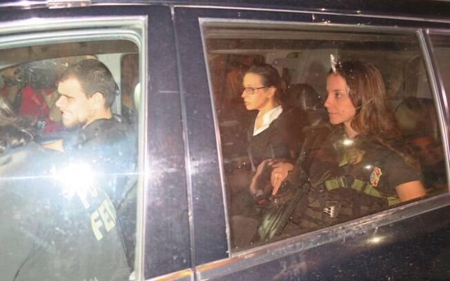 Ex-primeira-dama Adriana Ancelmo chegou nesta sexta a seu apartamento no Leblon; PGR pede anulação do benefício