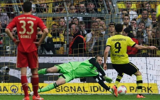 Na rodada seguinte, empate em 1 a 1 com o  Borussia Dortmund. Resultado acabou com série de  14 vitórias seguidas do Bayern