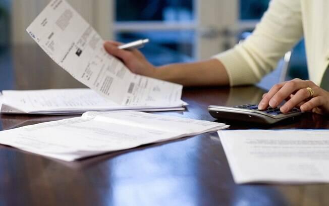 Os gastos previstos no orçamento com abono e seguro desemprego subiram R$ 497,6 milhões; as despesas com as compensações da desoneração da folha de pagamentos aumentaram R$ 198,2 milhões