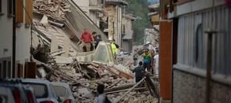 Vítimas fatais já somam 247 após terremoto na região central da Itália