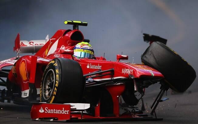Felipe Massa bateu forte sua Ferrari no  terceiro treino livre para o GP de Mônaco. Ele  sofreu o mesmo acidente na corrida