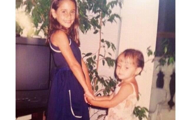 Minha irmã e eu ainda pequenas