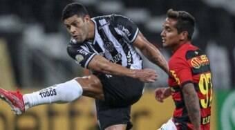 Dupla Diego Costa e Hulk decide, e Atlético-MG bate Sport no Mineirão