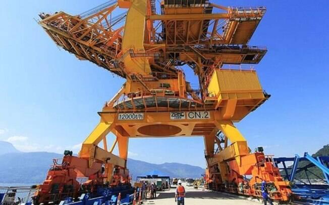 Eike Batista vende o controle do Porto Sudeste, da mineradora MMX, no dia 14 de outubro de 2013, para a Trafigura e o Mubadala. Transação teve valor de US$ 400 milhões. Foto: Divulgação