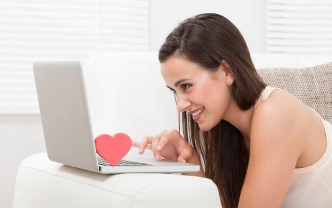 Chat em vídeo: use e abuse da tecnologia para falar com seu amor, mas não exagere