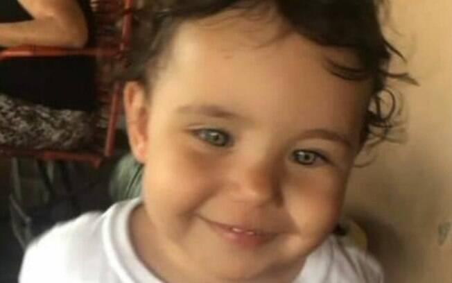 Criança de 2 anos morre afogada em piscina em Sumaré