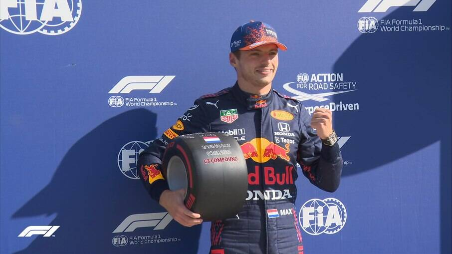 Verstappen larga na pole no GP da Holanda