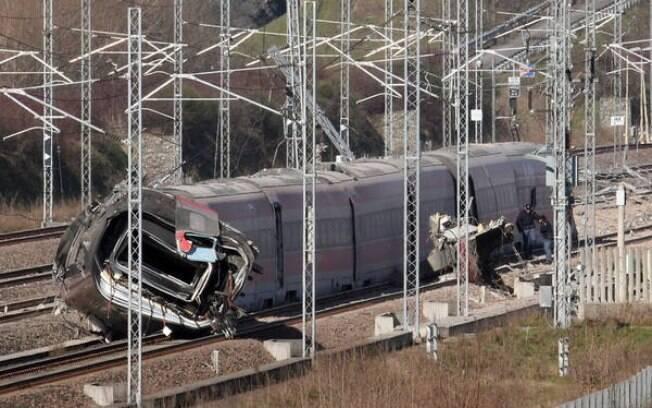 Trem que matou dois na Itália viaja a 290 quilômetros por hora
