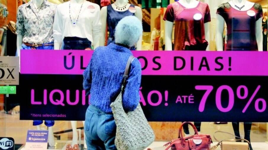Lojista do Rio agora é obrigado a informar preço original do produto e preço promocional, mostrando vantagem ao cliente