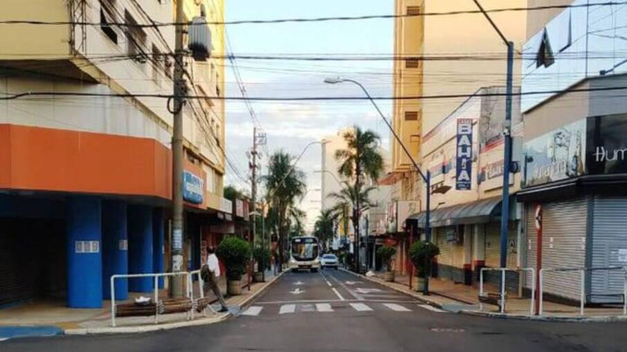 Araraquara decreta novo lockdown após alta de casos de Covid-19