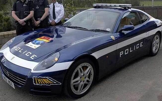 Super Carros da Polícia - Ferrari 612 SCAGLIETTI