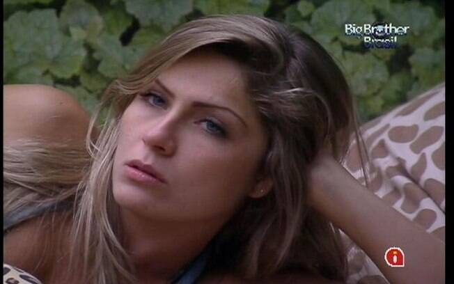 Renata conversa com Rafa sobre a Prova do Anjo