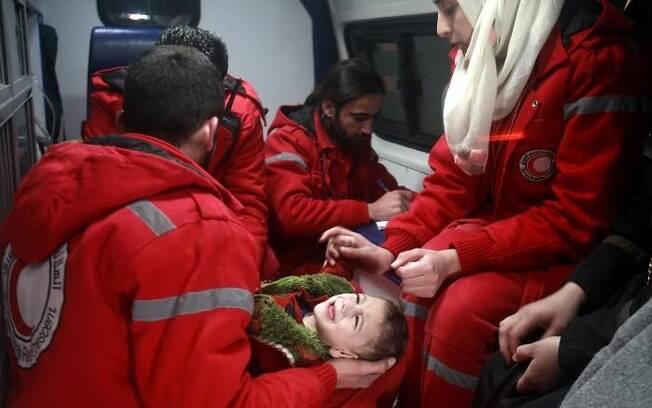 Pelo menos 100 morreram no mesmo ataque realizado na segunda-feira, em Ghouta Oriental, na Síria