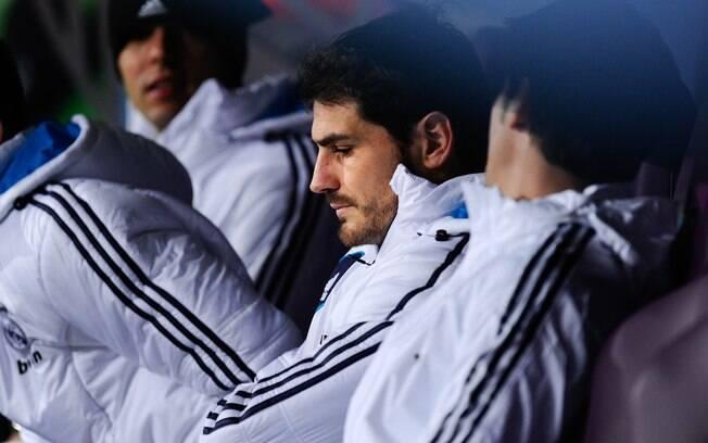 Técnico José Mourinho mandou o goleiro Iker  Casillas para o banco de reservas pela 1ª vez em  dez anos