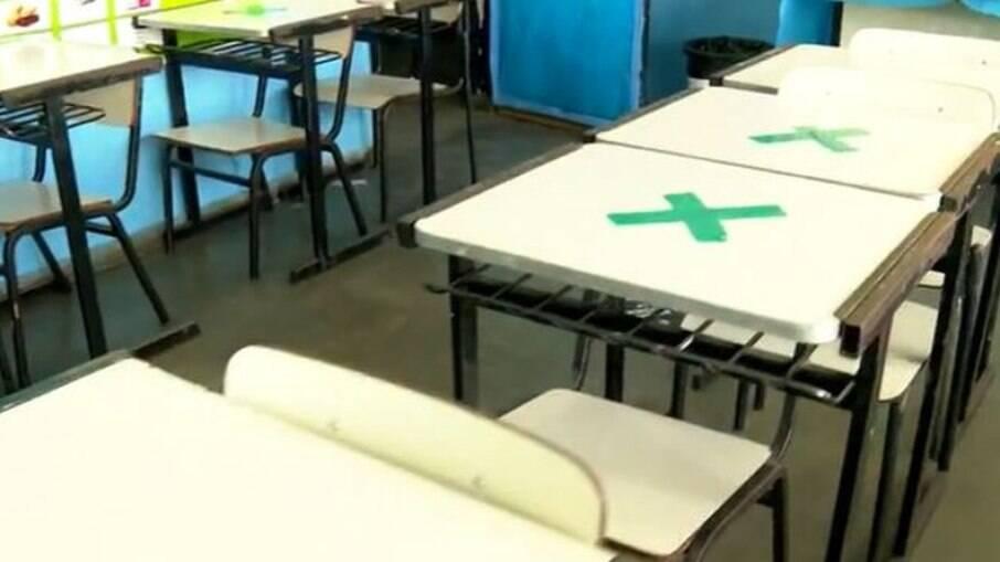 Secretário de Saúde no RJ diz que Comitê Científico liberou o volta às aulas na cidade
