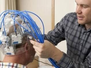 Cientistas criaram equipamento que pode ajudar pessoas que estejam sofrendo derrame
