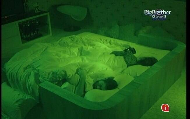 Brothers descansam após noite agitada