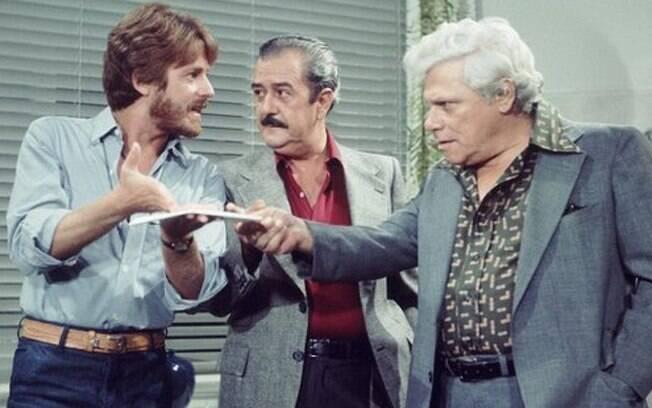 Edwin Luisi (o assassino), Ênio Santos (o pai dele) e Dionísio Azevedo (Salomão Hayalla) na versão original de