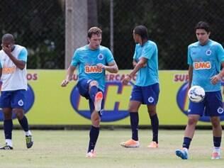 Moreno, Mayke e Léo ganham vaga no time titular