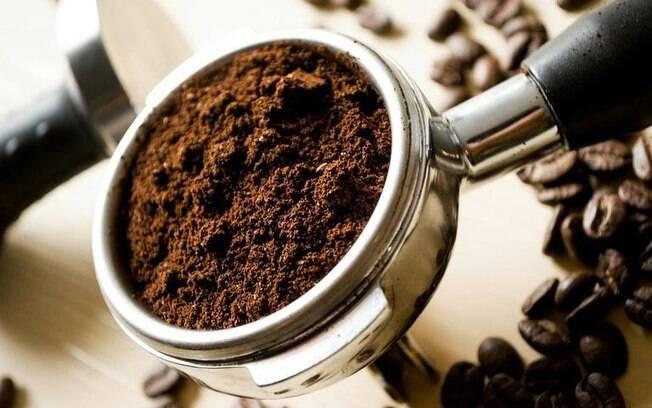 Oráculo da borra de café: veja como desvendar o futuro