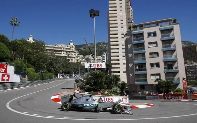 Nico Rosberg, da Mercedes, foi o mais rápido  no primeiro treino livre em Mônaco