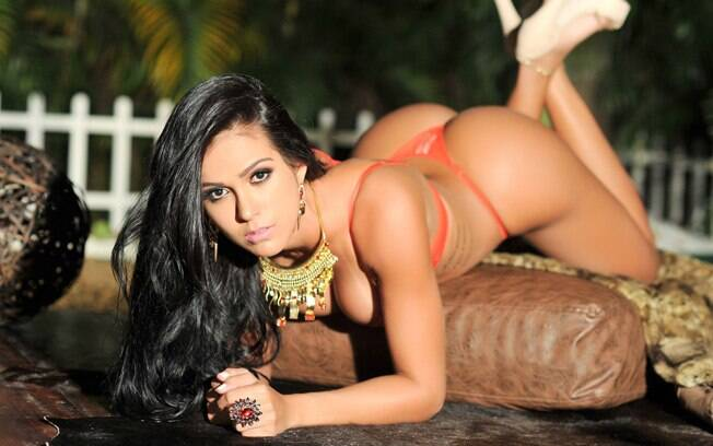 Miss Bumbum, represents the state of Goiás
