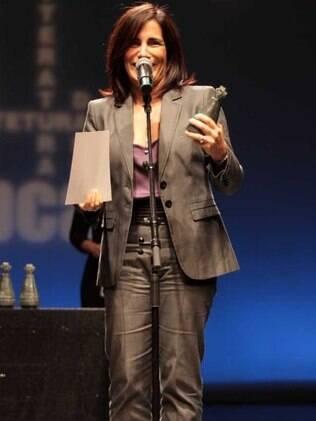 Glória Pires dedica o prêmio à família