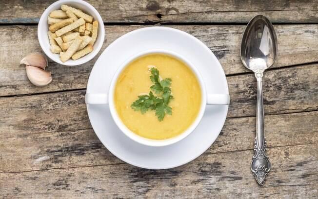 Sopa feita com os ingredientes certos pode prevenir e até curar uma gripe