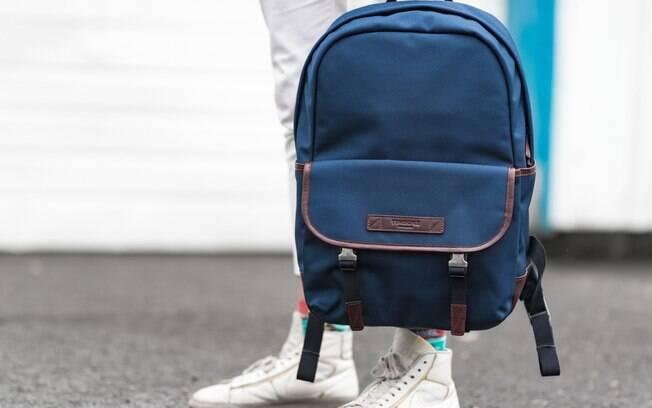 Segundo catador, homem desconhecido deu mochila para ele com